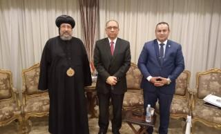نيافة الأنبا إرميا يستقبل د. طارق توفيق نائب وزيرة الصحة والسكان لشؤون السكان